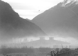 Skagway school enveloped by smoke on an inversion day
